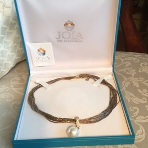 Tri-gold necklace with removable pearl pendant